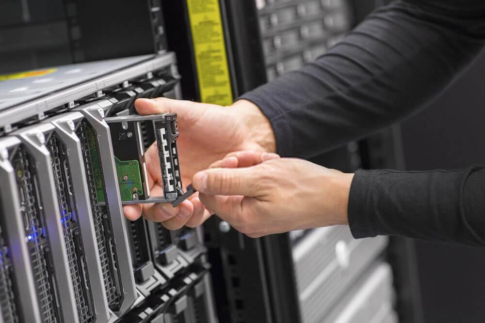 man exchanging the server blade storage